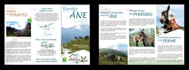 """Dépliant pour """"La Ferme d'Oulan Bât"""", élevage d'ânes des Pyrénées, ferme pédagogique, camping de yourte et randonnées avec un âne (Arbas, 31)"""